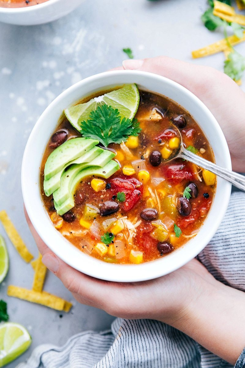 BEST EVER instant pot OR crockpot (tested for both) Mexican Chicken Tortilla Soup I chelseasmessyapron.com I #crockpot #instantpot #tortilla #mexican #chicken #easy #quick #avocado #lime #health #healthy #beans #soup #kidfriendly