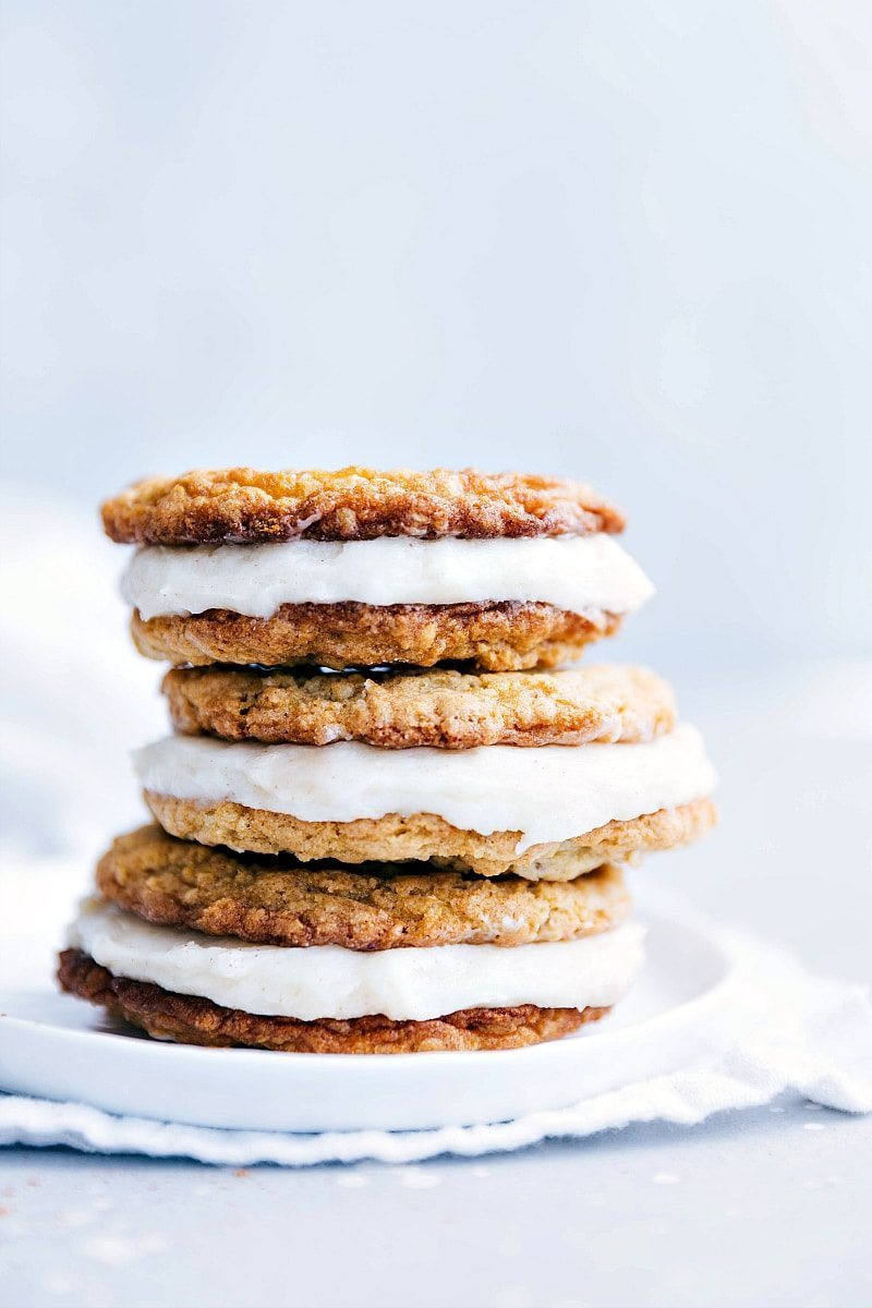 The best ever homemade OATMEAL CREME PIES! Delicious and easy to make! I chelseasmessyapron.com