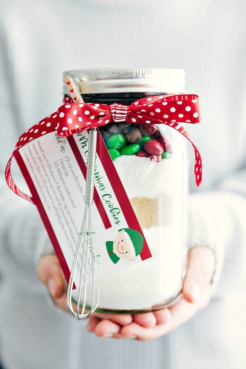 Mason Jar Gift: M&M Christmas Cookies (Free Printable) | Chelsea\'s ...