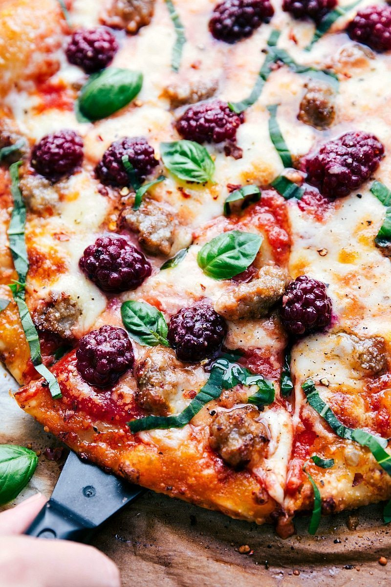 30-minute blackberry basil and sausage pizza | chelseasmessyapron.com | #pizza #blackberry #basil #easy #quick #familyfriendly #dinner #easy #healthy #health #blackberry #basil #pizza #crust