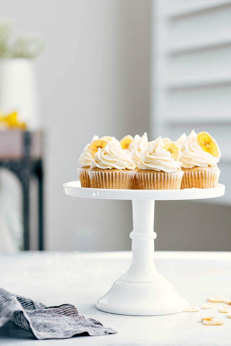 Cake Stand holding 8 banana cupcakes