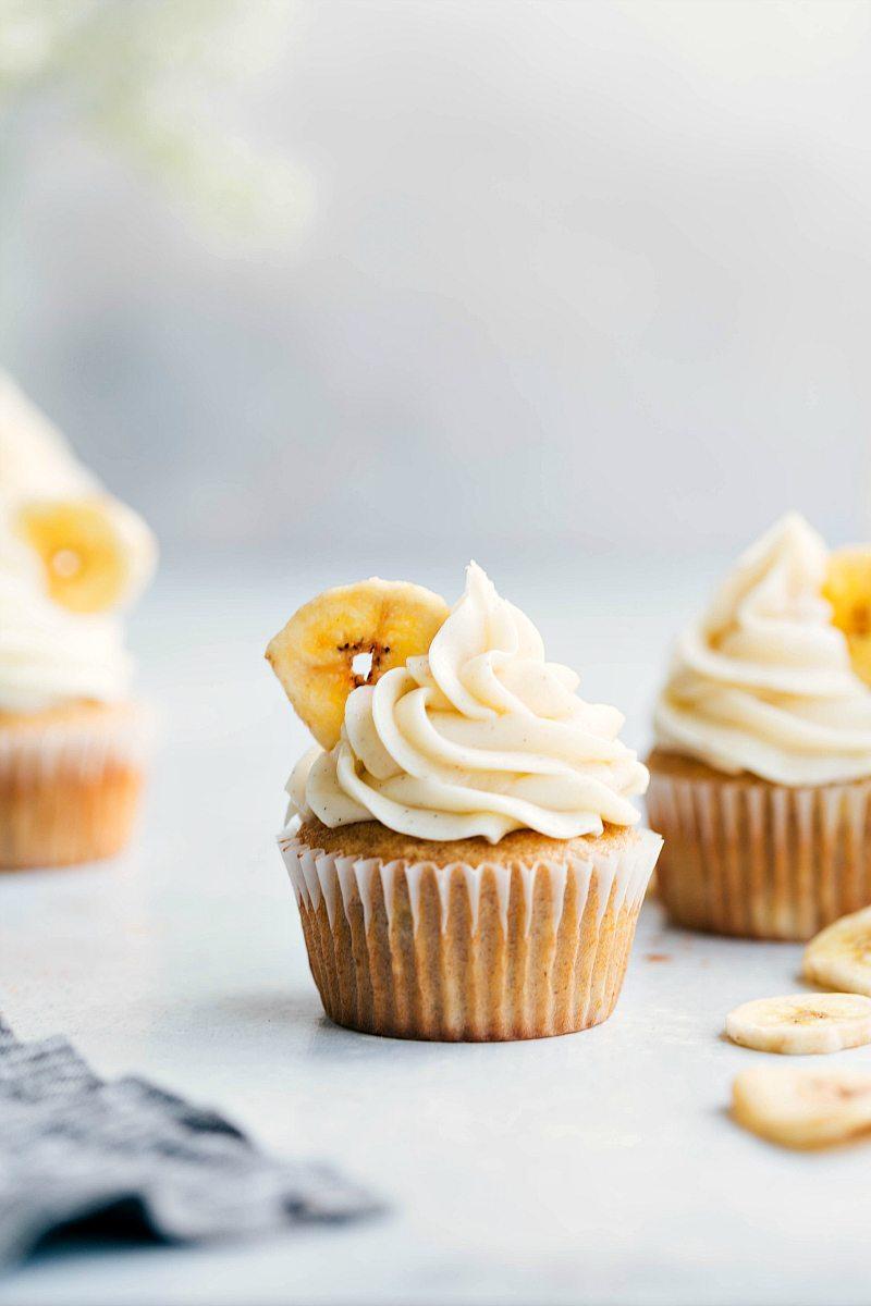 3 banana cupcakes