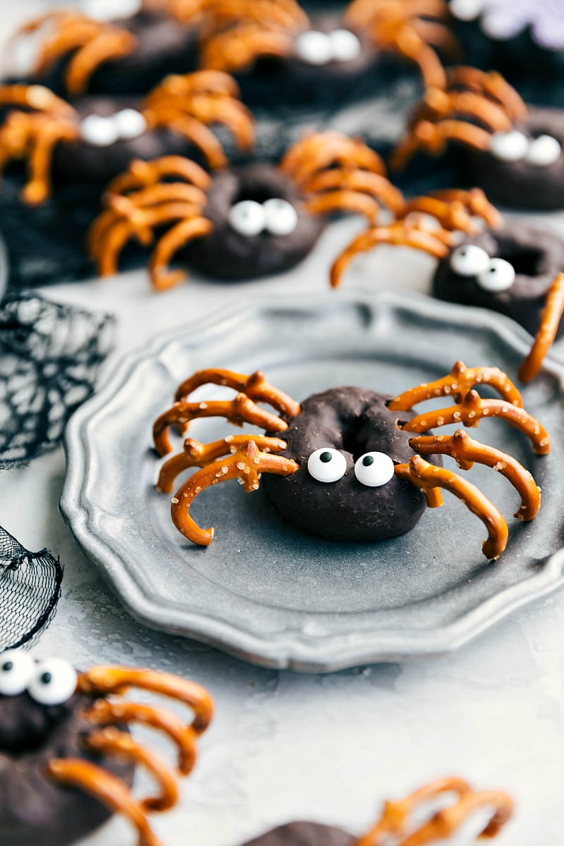 Image of the spider Halloween Donuts.
