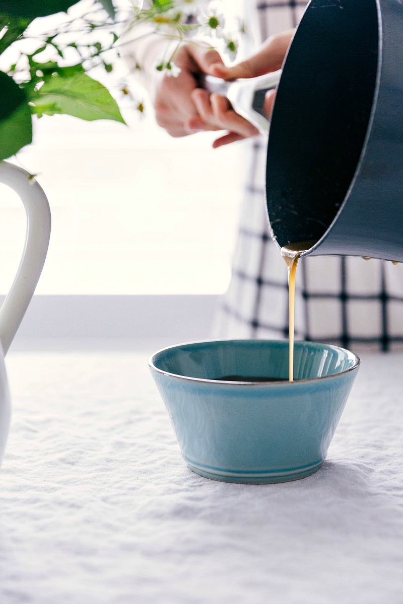 Image of the vanilla sauce recipe being poured into a bowl