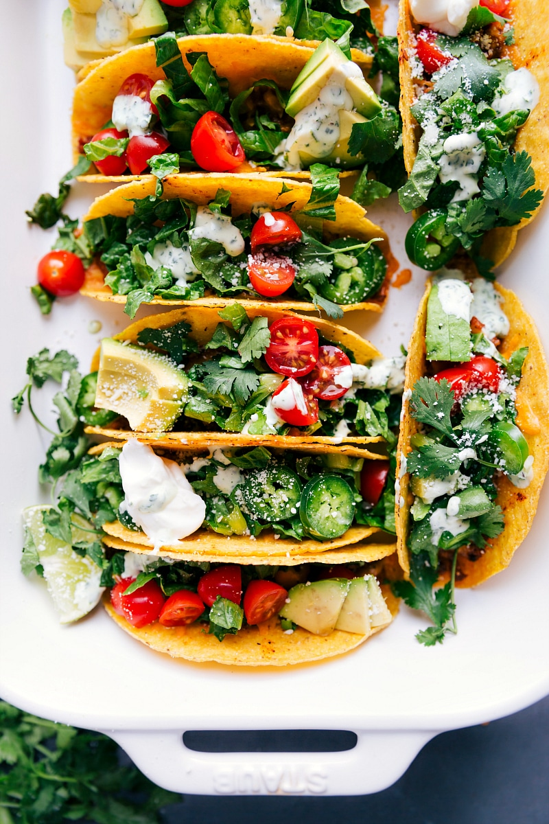 Overhead image of the baked chicken tacos