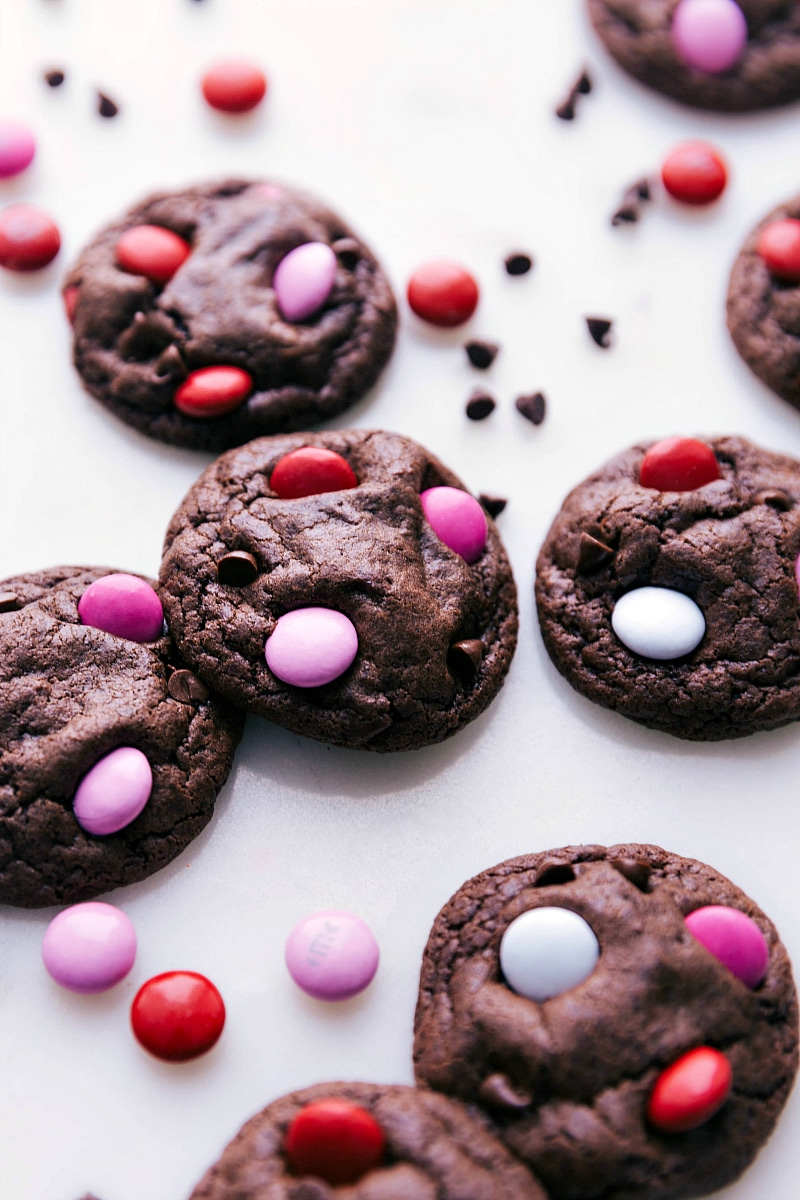 Up close image of the cookies with valentines M&M's all around.