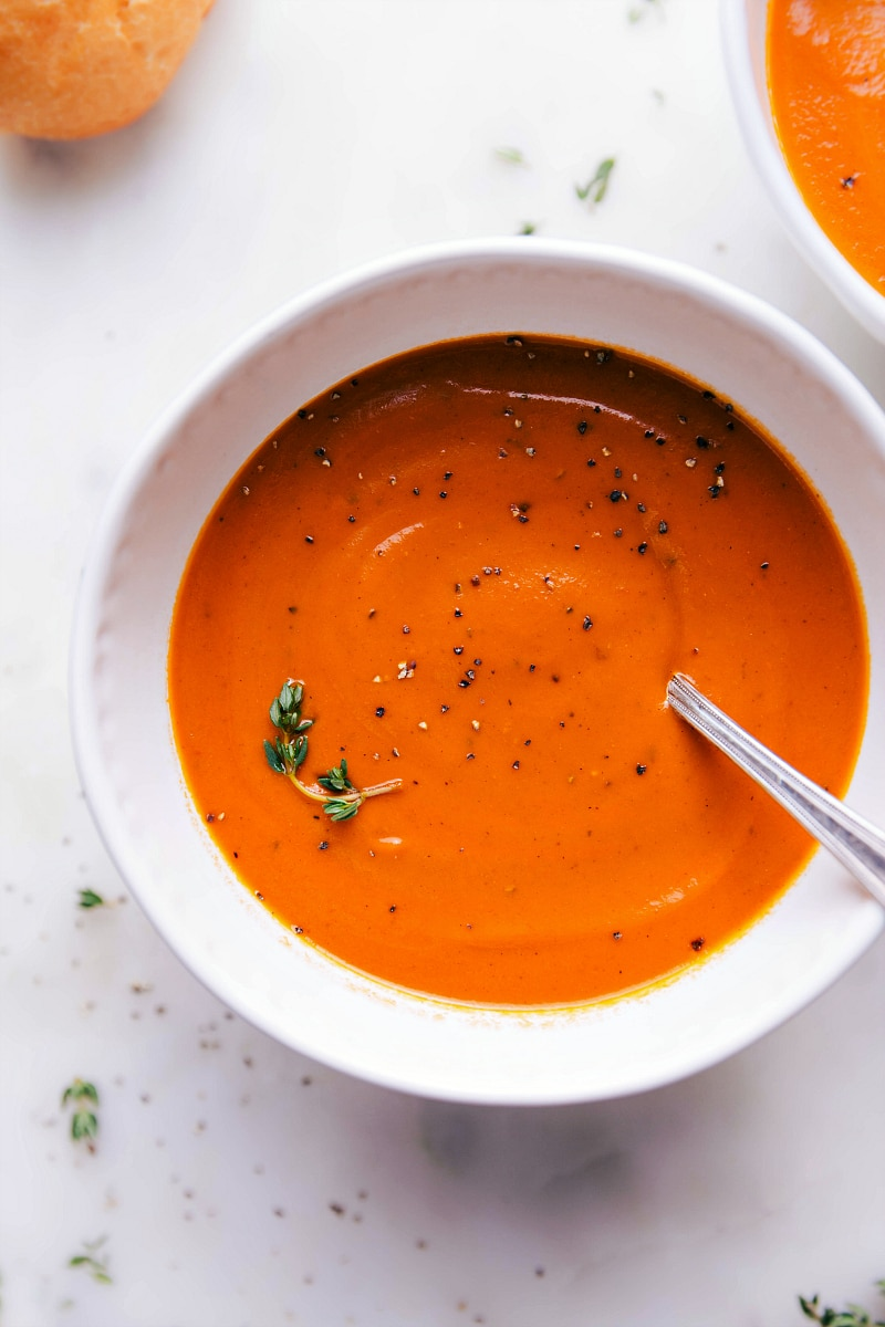 Overhead image of the easy tomato soup