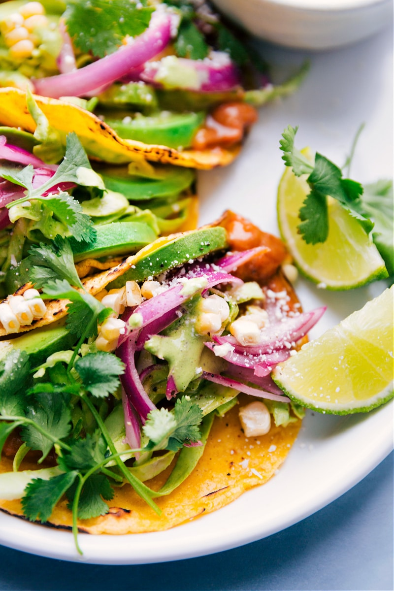 Up-close overhead image of the tacos.