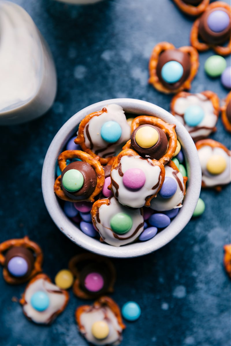 A bowl of Easter Pretzels.