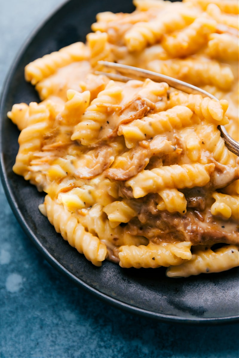 Bbq Pork Mac and Cheese on a plate ready to be eaten