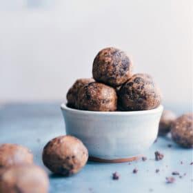 Cookies & Cream Energy Bites