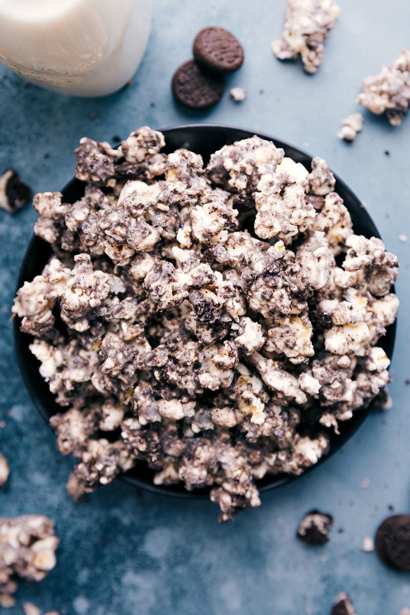Overhead image of the Oreo Popcorn