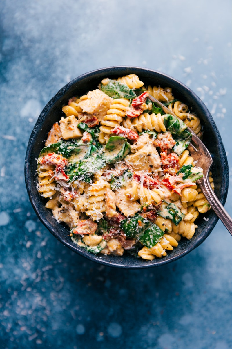 Overhead image of the chicken pasta in a bowl
