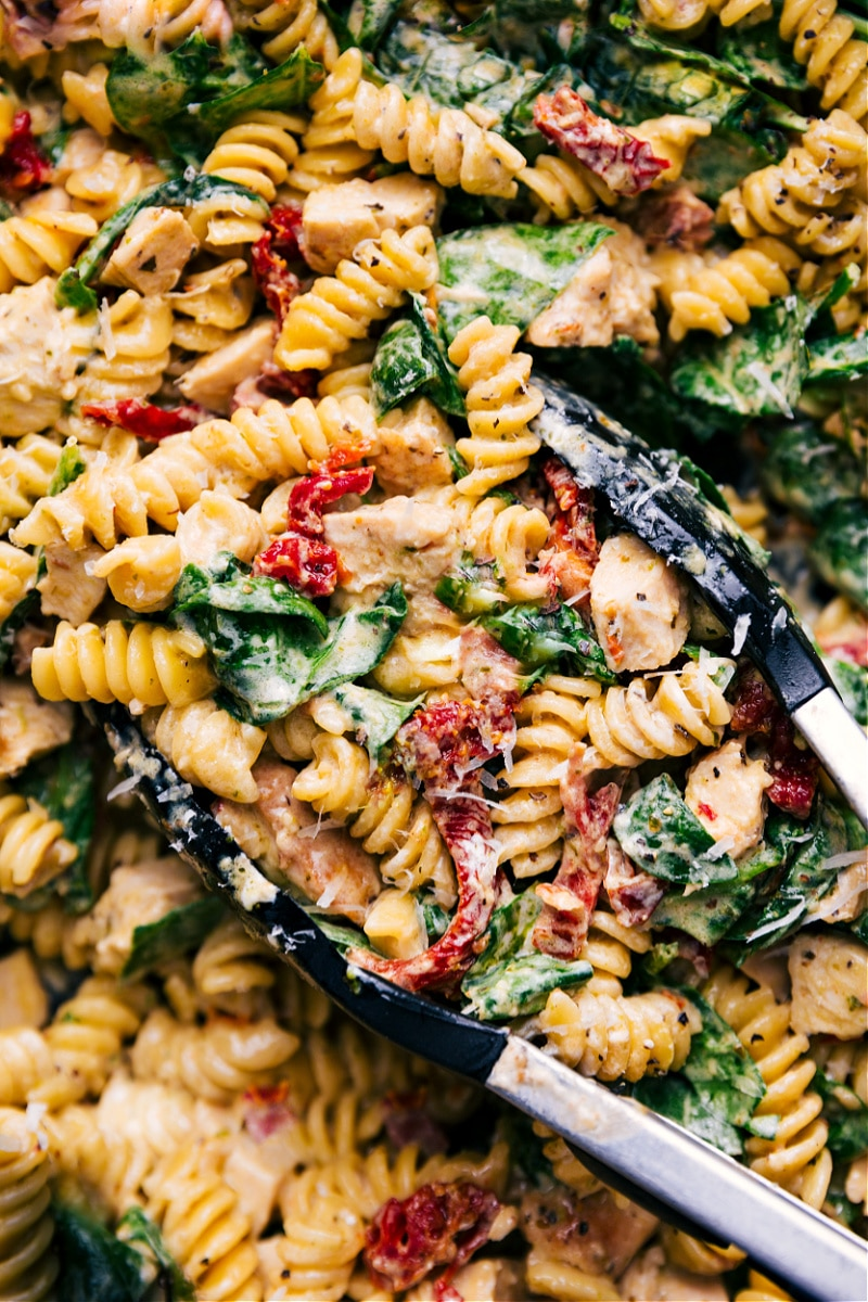Up close overhead image of the chicken pasta in the pot